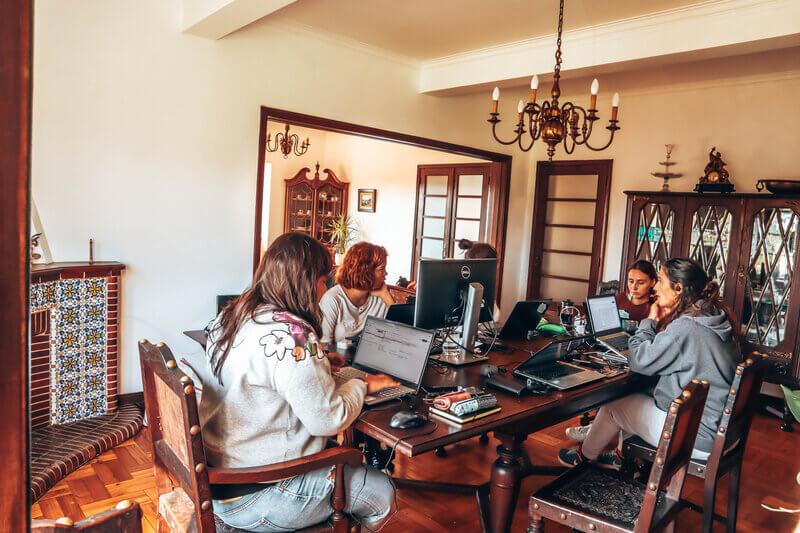 remote tour portugal trabalho